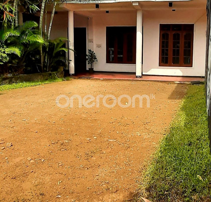 House for Rent - Gampola for sale in Kandy